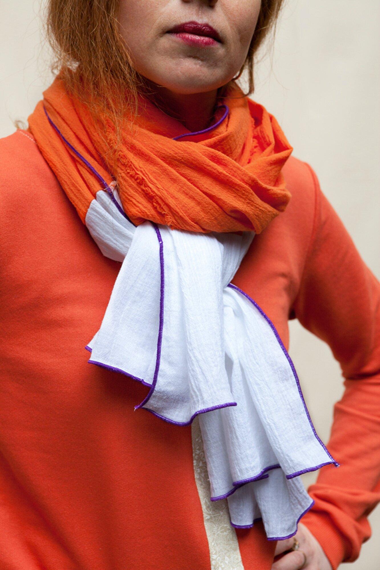 Chèche blanc et orange