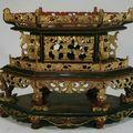 Deux <b>autels</b> des ancêtres en bois laqué et doré, Vietnam