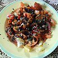 Salade de tomates et abricots ayant trouvé les