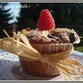Muffins aux framboises , pépites de chocolat et amandes et leur variante sans pépites de chocolat