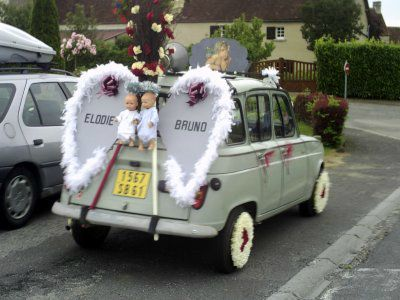 La decoration des vehicules easy mariage - Idee decoration voiture mariage ...