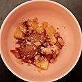 Un petit goût de fin d'hiver : ananas caramélisé, ganache chocolat et son crumble à la cannelle
