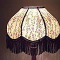 Lampe de chevet en papier japonais à frange