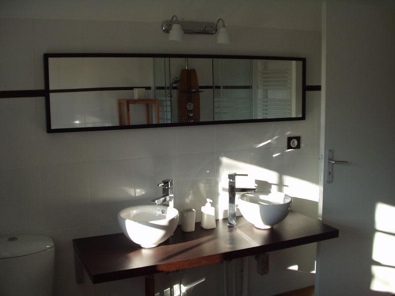 Salle de bain chambre prune