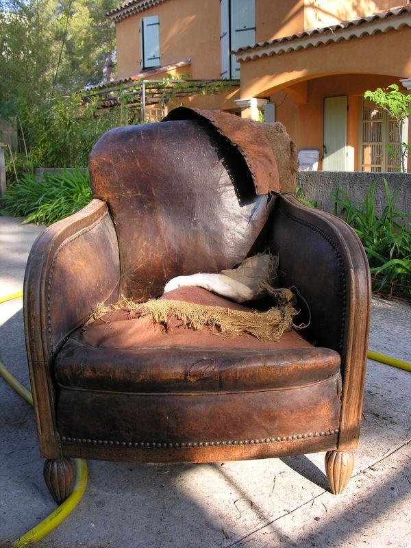 Fauteuil Club Restauration Dun Vieux Fauteuil Un Ptit Coin Chez - Comment retendre le cuir d un canapé