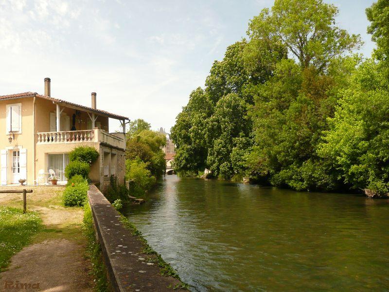 Moulin et château de Verteuil en Charente,