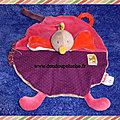 Doudou oiseau poule Moulin roty les <b>cousins</b>, rond, rose violet, www.doudoupeluche.fr