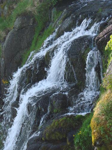 2008 05 23 La cascade qui se rouve près du Mont Mézenc