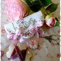 Porte-aiguilles Au <b>nom</b> de la <b>Rose</b>