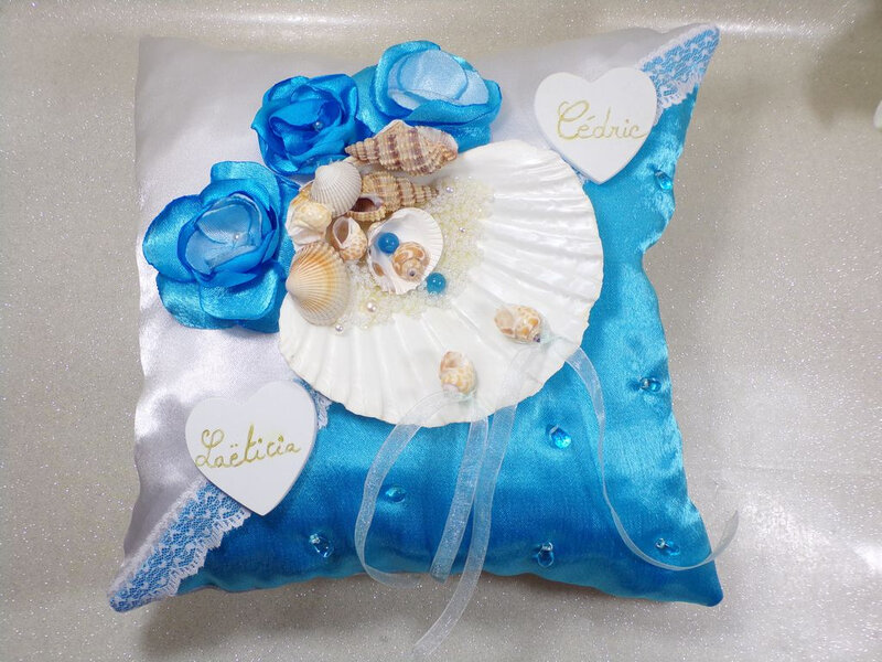 Coussin d'alliances coquillage blanc turquoise