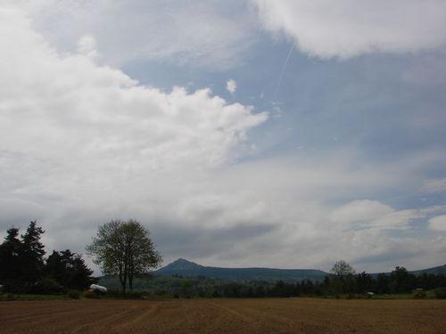 2008 05 16 Le Lizieux sous un ciel voilé