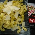 Pâtes au parmesan et pepites de jambon aoste