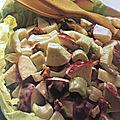 Salade <b>pommes</b> et céleri aux noix