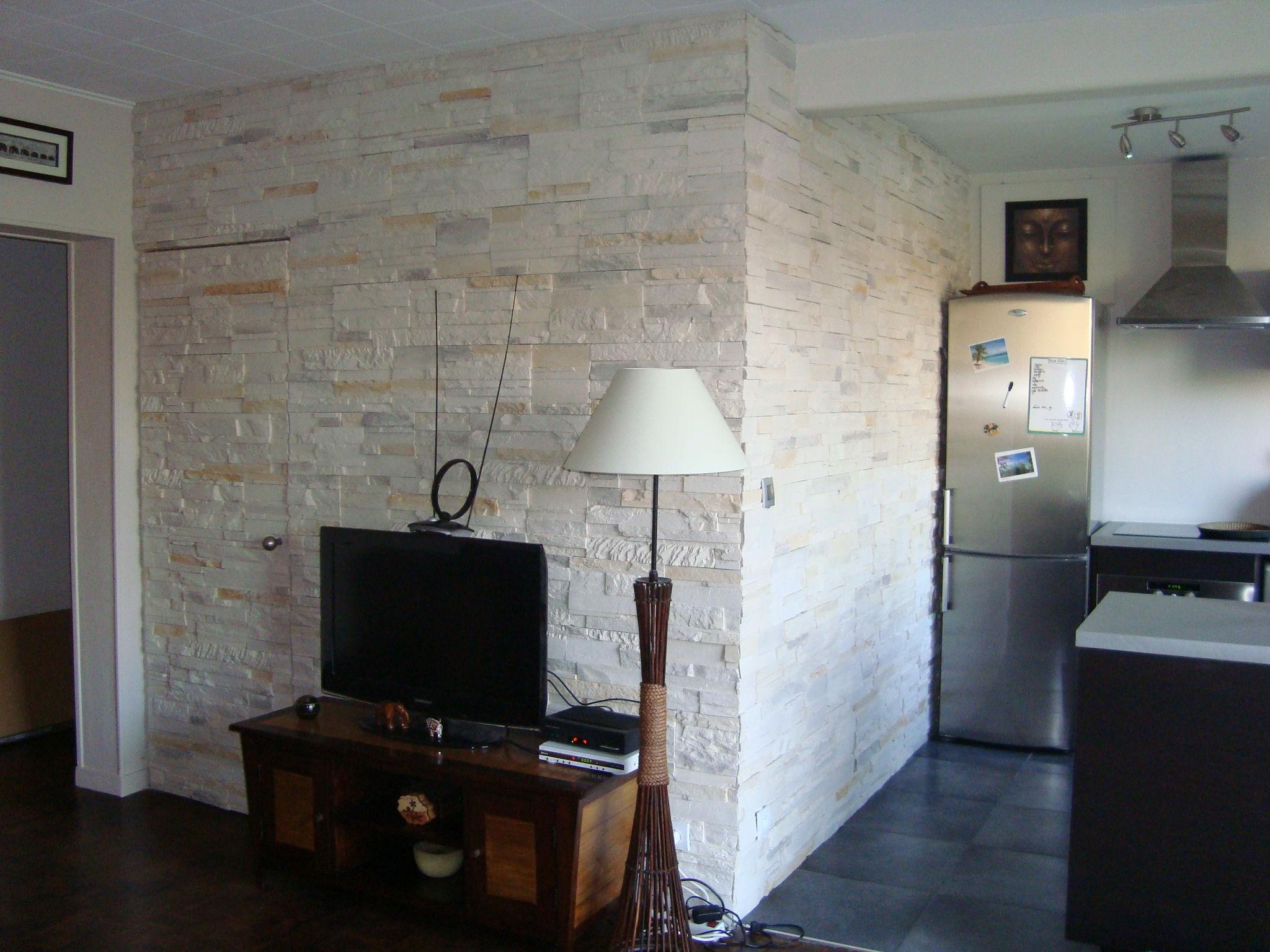 apres travaux cuisine mur en parement photo de cuisine et salle d 39 eau soci t adm. Black Bedroom Furniture Sets. Home Design Ideas