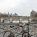 Vélib, cadenas Pont des arts_1701