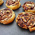 Roulés feuilletés au nutella , cacahuètes et minis chamallows