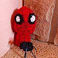 Un visage, l'homme araignée