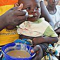 DSC_0120la bouillie est bonne maquis bebe zandkom