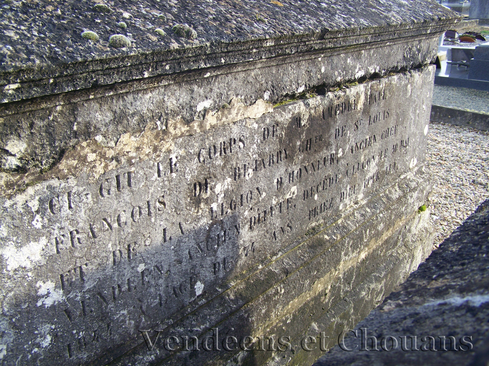 Bournezeau (85) – Tombe d'Amédée de Béjarry