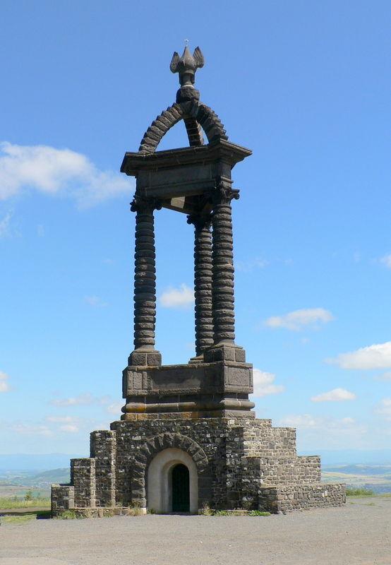monument du plateau de Gergovie