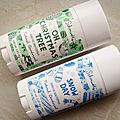 Deux déodorants <b>Schmidt</b>'<b>s</b> au banc d'essai, aux senteurs de Noël