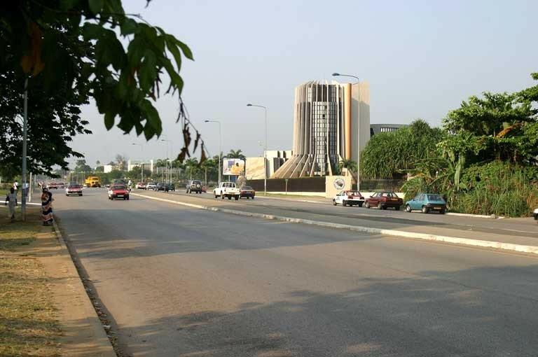 Libreville (le boulevard triomphal)