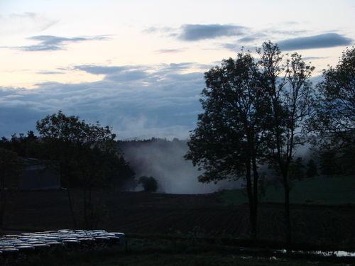 2008 05 30 Le brouillard dans les creux aprés la pluie