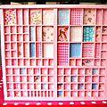 Un tiroir d'imprimeur accueille 1001 miniatures, secrets,merveilles ou trésors...