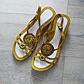 Sandale p44 cuir jaune neuve taillissime parfait etat : 10euros