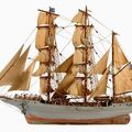 Souvenirs et mobilier de marine aux encheres samedi a roubaix