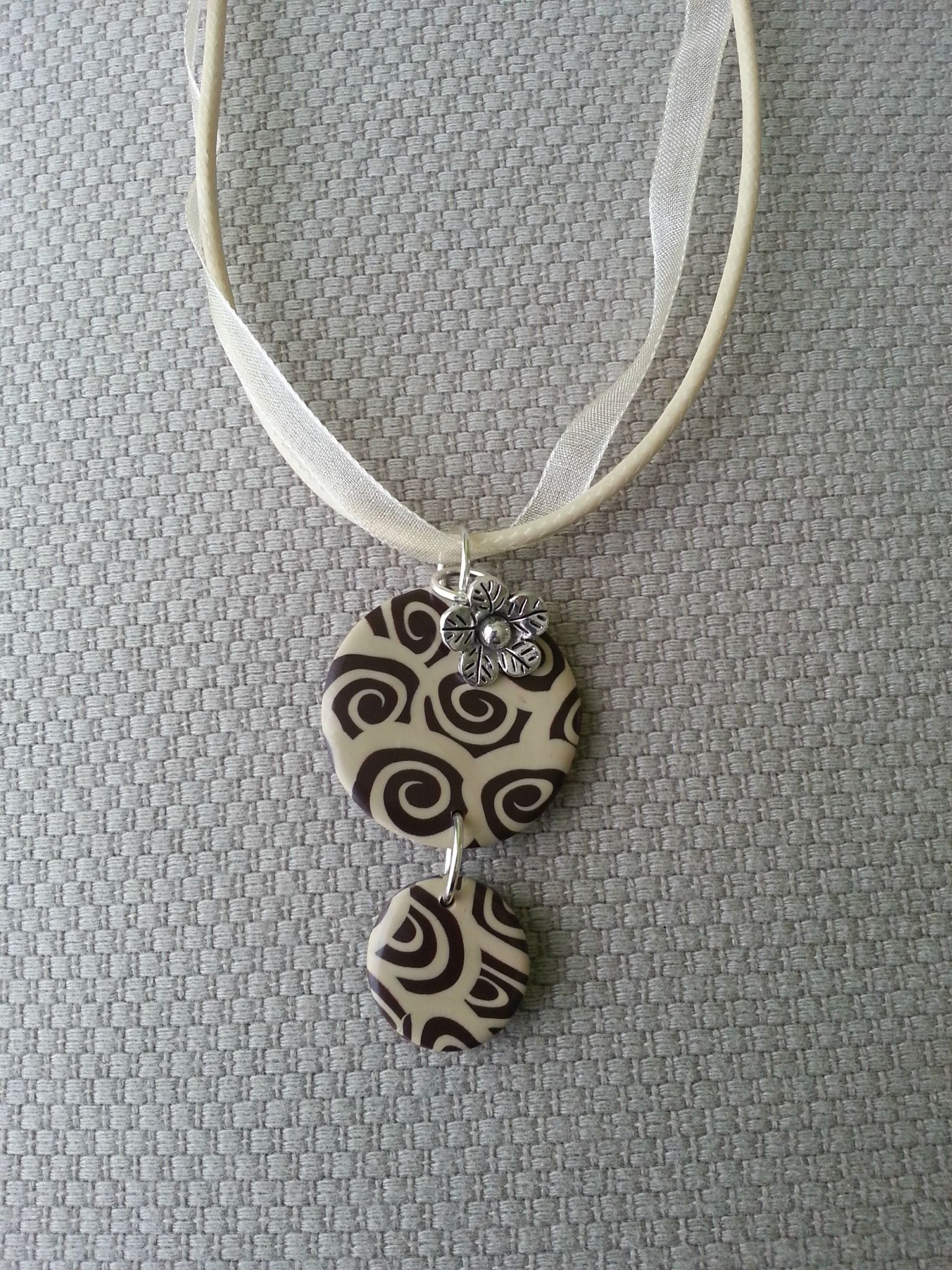 Collier 01
