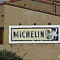 Clin d'oeil ... façade pub michelin