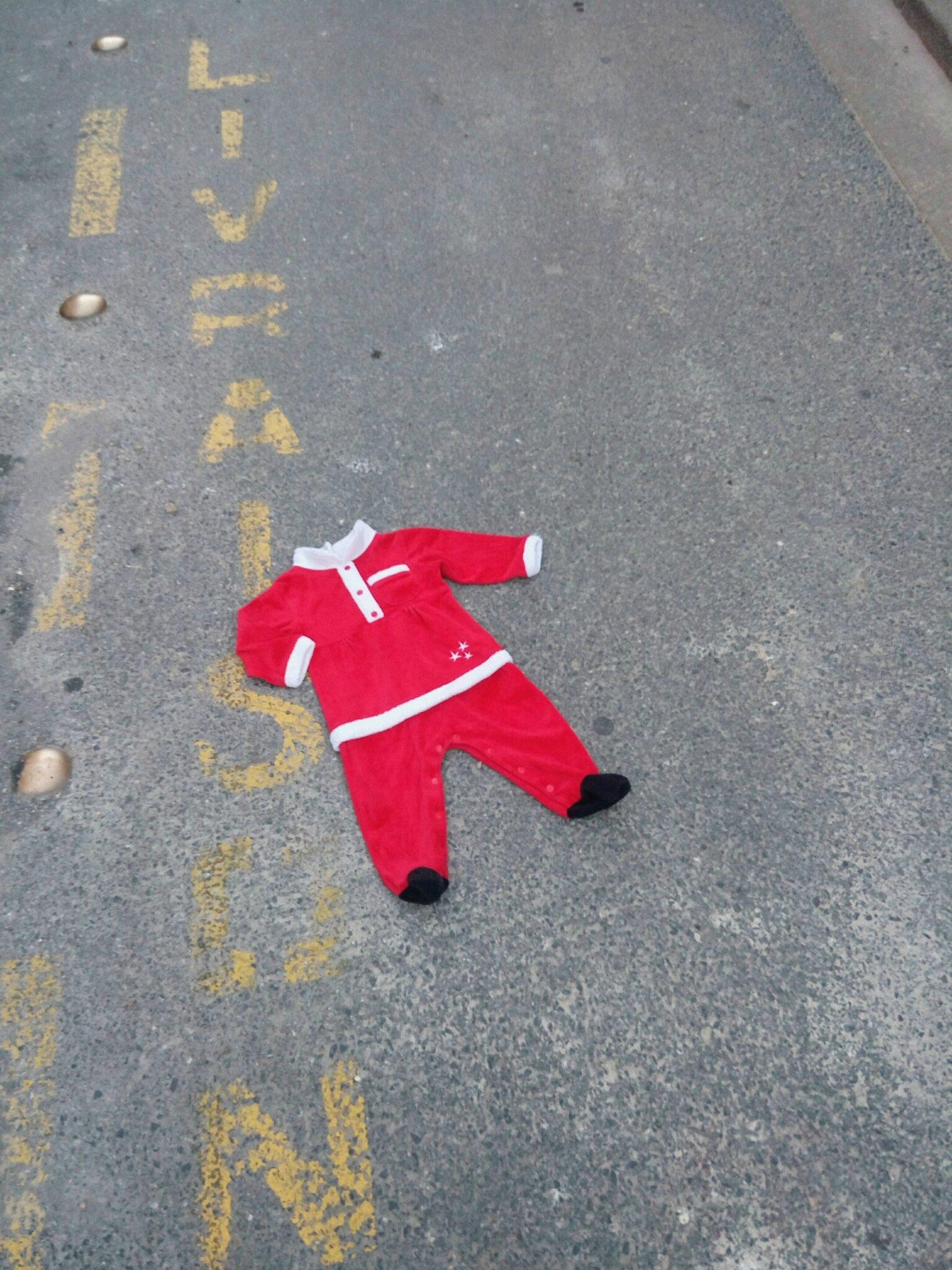 *Dors bien Père Noël, 1 an