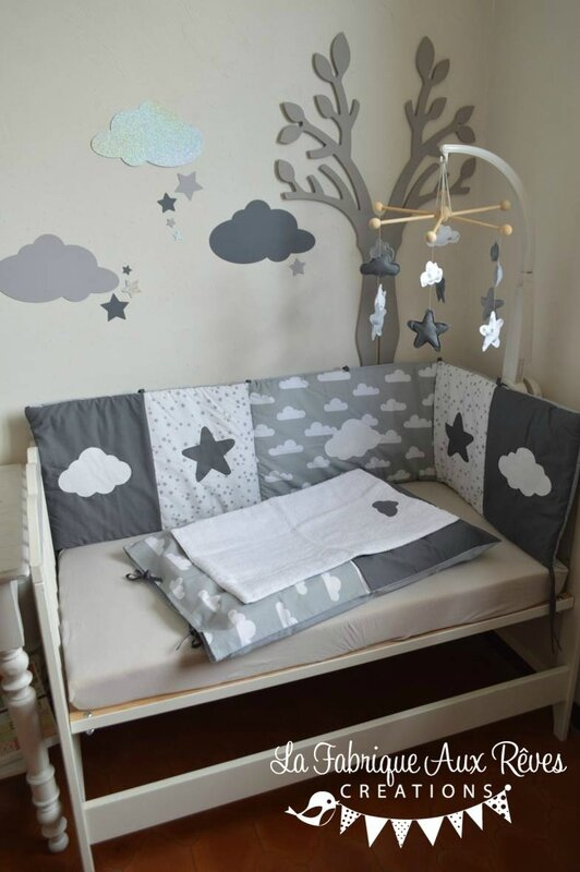 linge lit b b et d coration chambre b b nuages et toiles gris fonc blanc gris clair. Black Bedroom Furniture Sets. Home Design Ideas