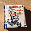 La moto de police de Yannis, 26ème P'tit garçon