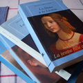 La jeune fille au livre bleu