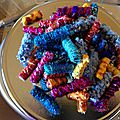 Art textile: echantillon 4 : les perles textiles
