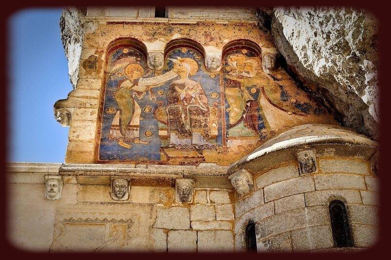 fresque_sur_sanctuaires_rocamadour_-_lot_tourisme_-_ot_vallee_de_la_dordogne_-_cochise_ory