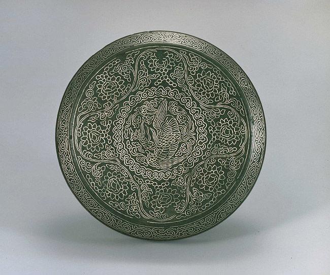 08-Boite avec couvercle, vers 1100, Bronze avec incrustaion de motifs de Phoenix et de lotus en argent, H4 inches, Musée des Arts de Ho-Am