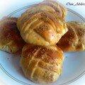 Petits pains fourrés à la viande haché et au cheddar fondant