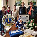 Le lion's club offre 560 pelotes de laine à notre groupe tricotsbb45