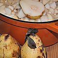 Compote de poires aux épices douces et au miel pour l'oiseau et le gardien de phare