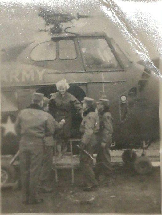 1954-02-16-3_seoul-base_K16-helico-030-1