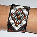 Bracelet Manchette Native American' ou Amérindien en perles tissées et clou