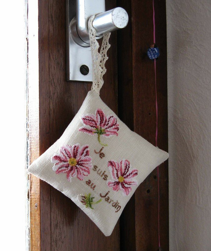 Coussin aux Cosmos