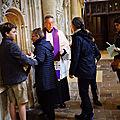 0826 - Recueillement dans les chapelles après le vol