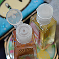 Merci handy dans mon sac à main avec ses gels anti-bactériens !