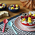 PORRIDGE AU FROMAGE BLANC, FRUITS ET TOPPING GOURMAND [#HEALTHY #PETITDEJ #BREAKFAST #PORRIDGE]