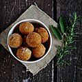 Boulettes de casatella trevigiana dop et herbes aromatiques