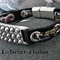Un petit peu plus rock et moins romantique malgré le cordon <b>liberty</b> pour ce <b>bracelet</b> cuir noir !